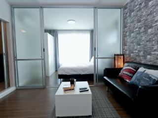 New 1BD Apartment, Mountain View + High Speed Wifi, Patong
