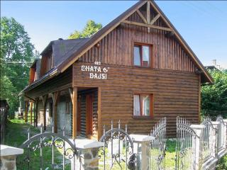 Spacious chalet with mountain views, Zliechov