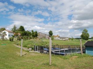 Maison Blanche en plein campagne avec piscine, Saint-Jean-de-Duras