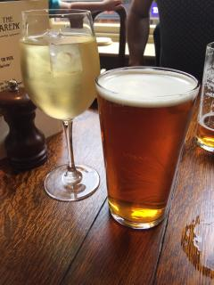 We provide glasses suitable for you to enjoy your choice of tipple!