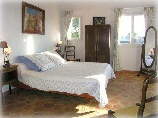 BED AND BREAKFAST PERFECT FOR TOURISM WORK FAMILY, Les Milles