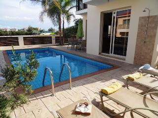 Central Protaras/Pernera 3 bed villa with pool