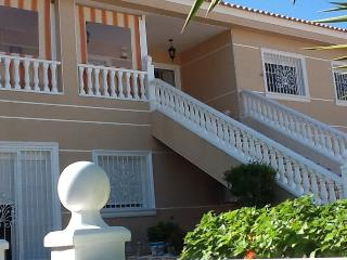 4 bedroom apartment in Dallas style villa and pool, Algorfa