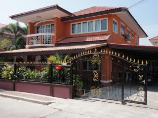 5 bedroom villa with private pool, Jomtien Beach