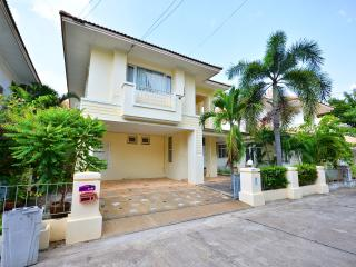 4 bedroom villa on beautiful resort in Jomtien, Jomtien Beach