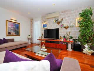 Luxury seaside apartment ****