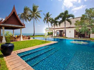 Villa 26 - Beach front luxury with Thai chef service and shared gym