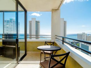 Waikiki 1 BR w/ Spectacular Ocean View & Parking
