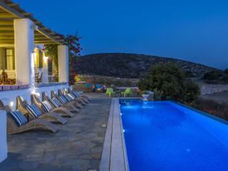 Villa Erato with private pool-Luxury Villa Faranga