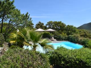 Top rated lovely villa private pool heated near fantastic beaches, Santa Giulia!, Porto-Vecchio
