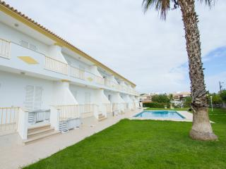 Duncan Orange Villa, Olhos de Agua, Algarve