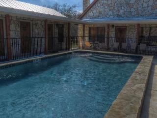 Frio River! - Cypress Bend Subdivision  -  ARROWHEAD  home with POOL !!!, Concan