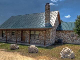 Frio River! - Mountain Valley Subdivision - WILD TURKEY home with Pool!, Concan