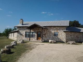 Frio River! - Mountain Valley Subdivision - WHISKEY RIVER home with Pool!, Concan