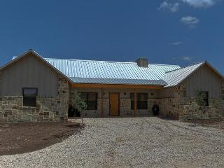 Frio River! - Tierra Linda Subdivision - CADDY  SHACK  home with Pool!, Concan