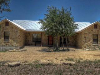 Frio River! - Mountain Valley Subdivision - FRIO FIESTA  home with Pool!, Concan