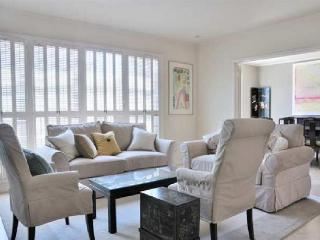 SPACIOUS AND FURNISHED 3 BEDROOM HOME, Forest Knolls