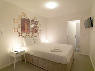 Uporto House - Suite com Vista Jardim