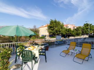 Apartment Wild Orange - Two-Bedroom Apartment with Terrace, Dubrovnik