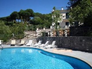 Villa Relax with garden & swimming pool, Sant'Agata sui Due Golfi