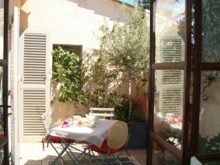 Charming 3 bedrooms apartment Aix City center, Aix-en-Provence
