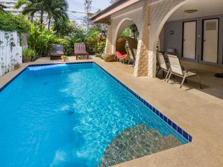 GRAND CONDOTEL VILLA ROSE WITH PRIVATE POOL, Pattaya