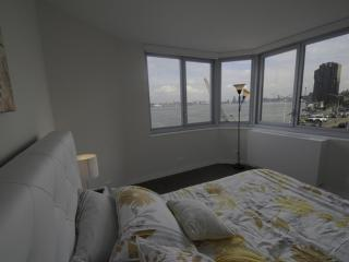 Breathtaking View - 2 Bedroom Apartment in New York, Long Island City