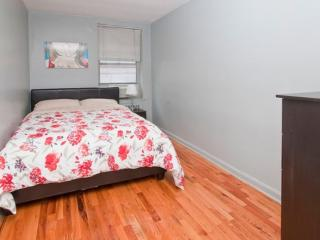 Beautiful 2 bed 1 bath apartment - 1, Long Island City