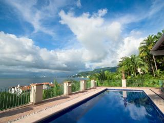 Full Service Villa - Extraordinary - Sleeps 23