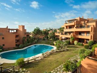 Apartamento con vista al mar, piscina, a/c, Wi-Fi, Estepona