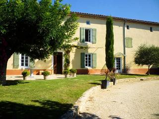 Uzès Gard, Big charming country house 12p private pool, Garrigues-Sainte-Eulalie