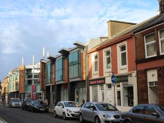 Kyle Apartments (Sleeps 7) Town Centre, 3 bedrooms, Ayr