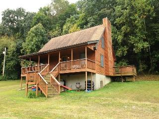 Island Ford River Retreat, Luray