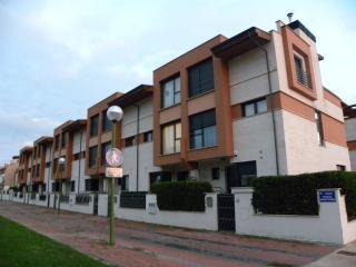 Adosado de 4 a 10 personas en Burgos+WIFI+Parking