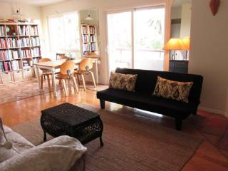 PEACEFUL AND COMFORTABLE 1 BEDROOM 1 BATHROOM APARTMENT IN THE BEAUTIFUL SANTA MONICA, Los Ángeles