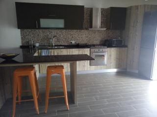 Triple Room - HOMESTAY -University/Mater Dei Area, Birkirkara