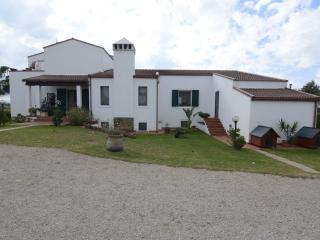 Splendido appartamento con giardino,2 km dal mare, Fertilia