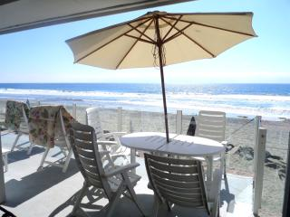 1211, Oceanside, Beachfront, Fun, Golf and Surf!
