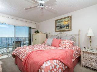 SL501:BCH FRONT MASTER & RSVD PRKNG, AMAZING VIEWS, FREE BEACH CHAIRS + GOLF!