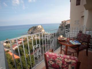 Appartamento il Corallone a picco sul mare Tropea