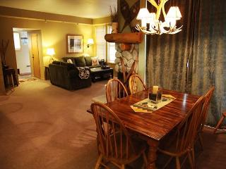 Spacious 2 Bedroom/2 Bathroom in Snowcreek Phase 5!, Mammoth Lakes