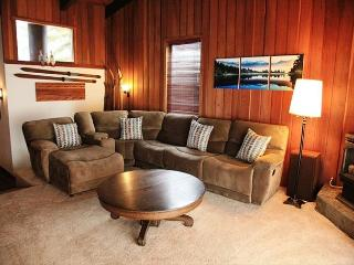 3 bedroom 3 bath condo with great views and walking distance to Canyon Lodge., Mammoth Lakes
