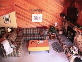 2 Bed + Loft/3 Bath, Near Golf Course, On Shuttle Route, Great Location, Mammoth Lakes