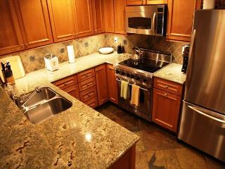 Upgraded, 2 Bedroom / 2 Bathroom, Gorgeous Views of Sherwins!, Mammoth Lakes