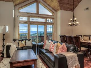 Stunning and Spacious home in Truckee – Big Decks and a Sauna