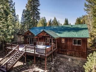 Family-Friendly Truckee Log Cabin – Woodland Walks and Hot Tub!