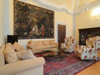 Luxury 2 Bedroom Apartment - Palazzo Morichelli