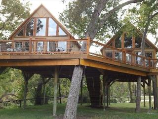 #3 Laughing Water Cabin - Retreat into Peace and Nature - Geronimo Creek, Seguin
