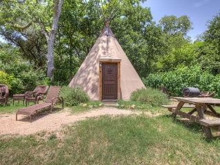Unbelievable Tipis on Geronimo Creek! Heated/AC, Insulated-Sleeps up to 6, Seguin