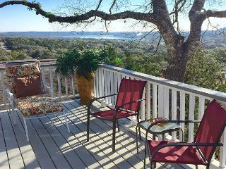 'Casa del Arbol'(tree house) Relaxing Deck Overlooking Canyon Lake, Sleeps 12